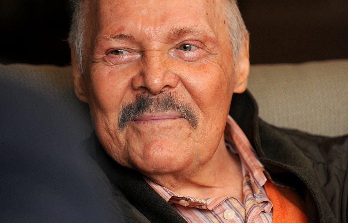 Lamentan en twitter la muerte del pintor y escritor José Luis Cuevas