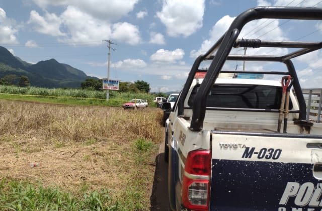 En ataque armado, asesinan a taxista y hieren a pasajera en Omealca