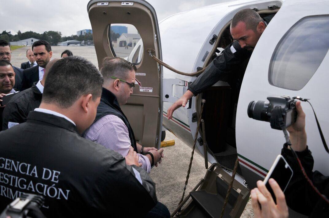 Diez imágenes de la extradición de Javier Duarte a México