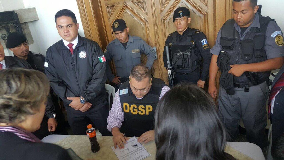 Diez tuits del gobierno de Guatemala sobre la extradición de Javier Duarte