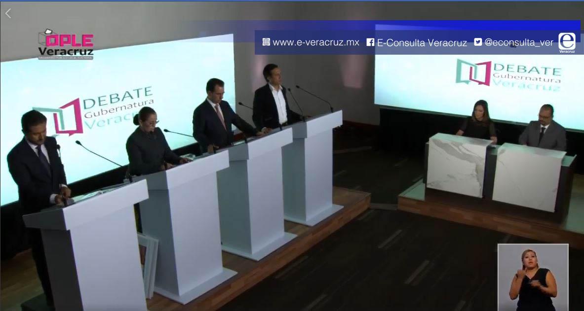 #DebateVeracruz: propuestas sucumben ante denostaciones