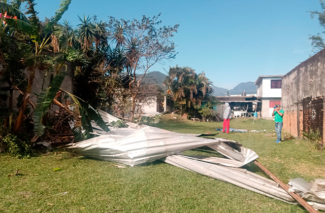 Derrumbes y casas destechadas deja surada en 6 municipios de Veracruz