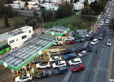 Desabasto de gasolina pegó a estados presa de huachicoleros