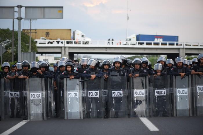 """Desalojo de manifestantes, """"tema escabroso y difícil"""": Diputado"""