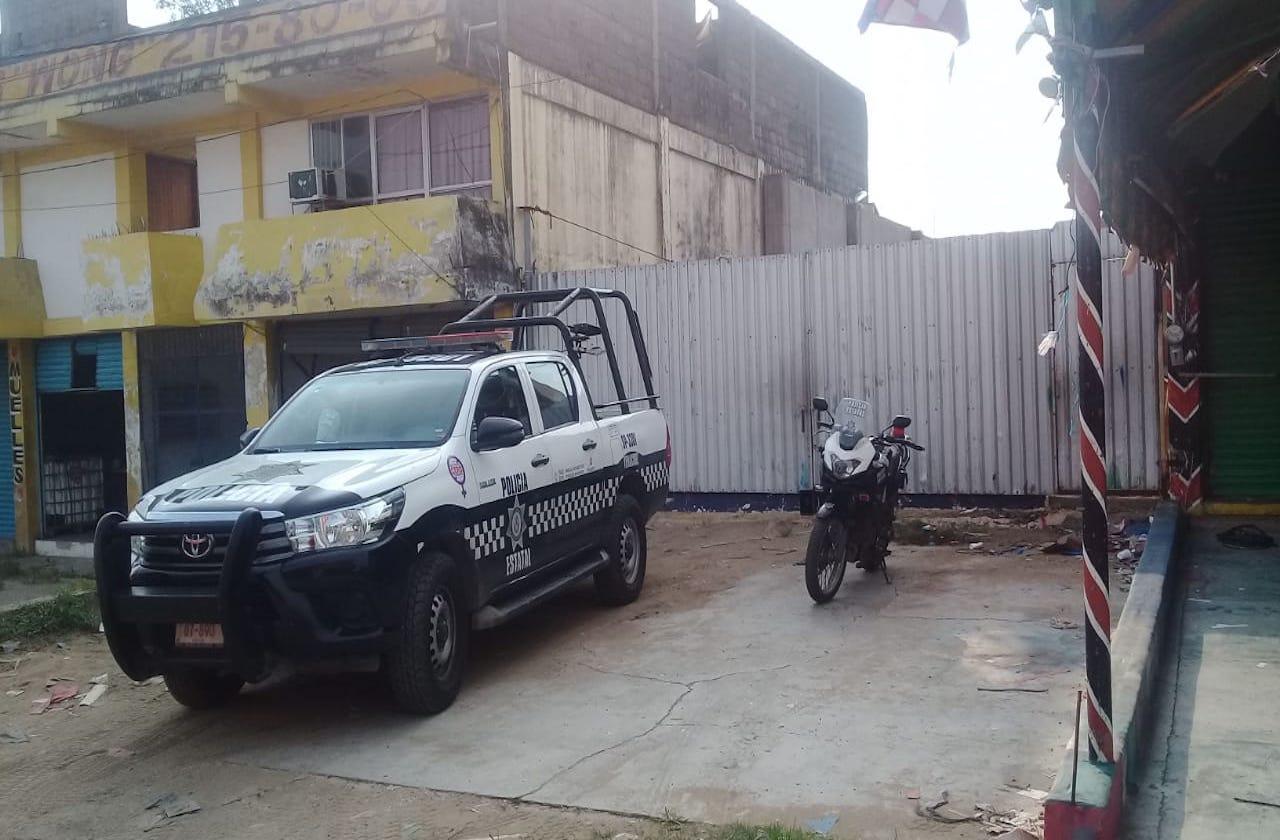 Descubren bodega con mercancía robada, en Cosoleacaque
