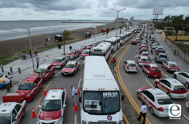 Más de 2 mil unidades de transporte son desinfectadas en el Puerto