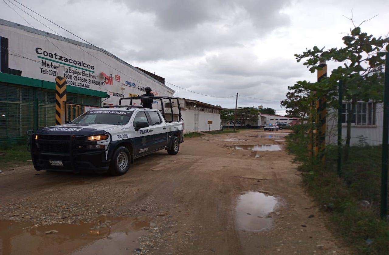 Desmantelan deshuesadero en Coatza; hay tres detenidos