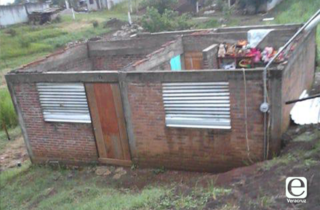 Tormenta y fuertes vientos afectan viviendas de Córdoba