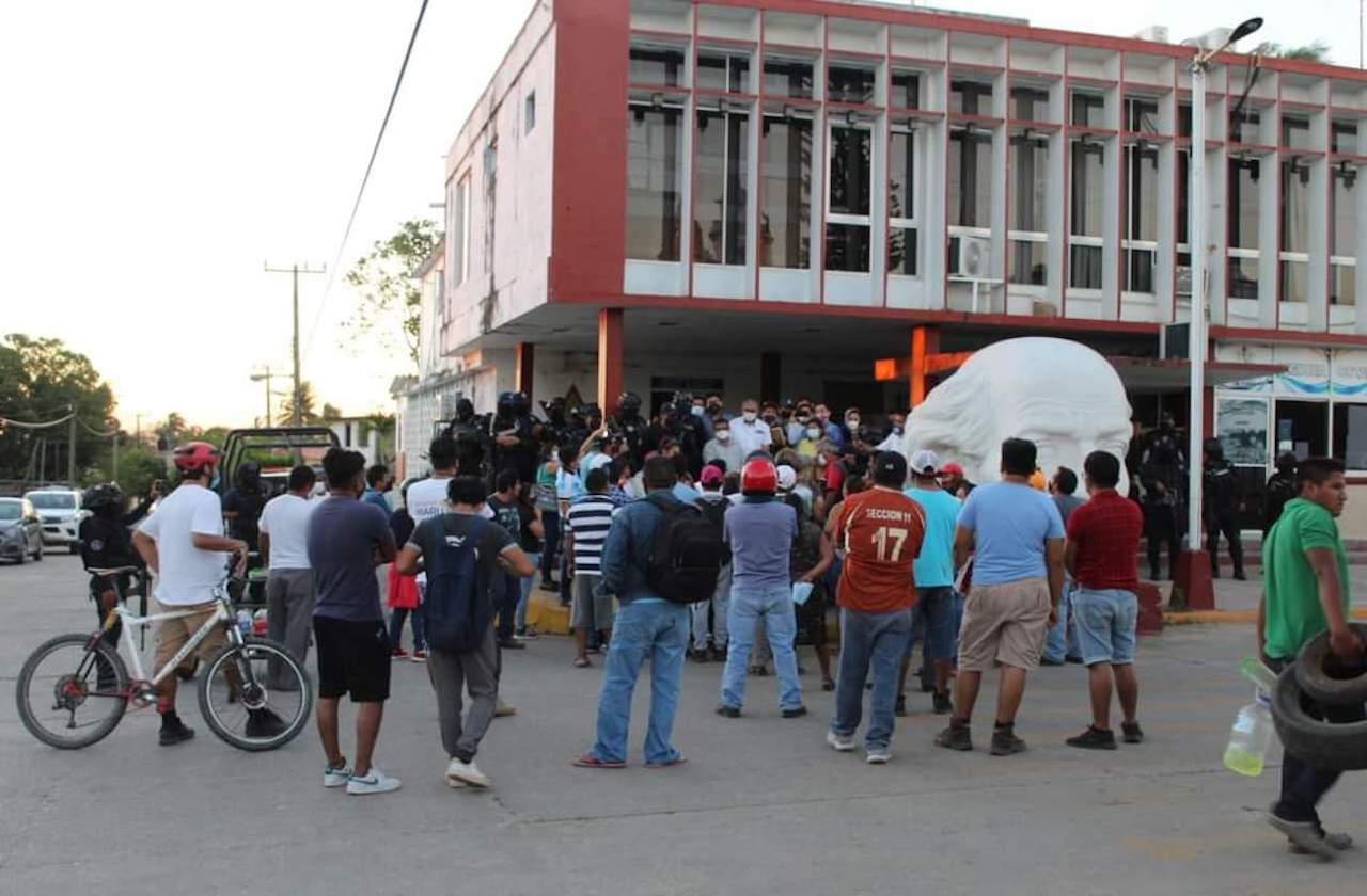 Destituyen a jefe policiaco de Jáltipan por presunto abuso sexual