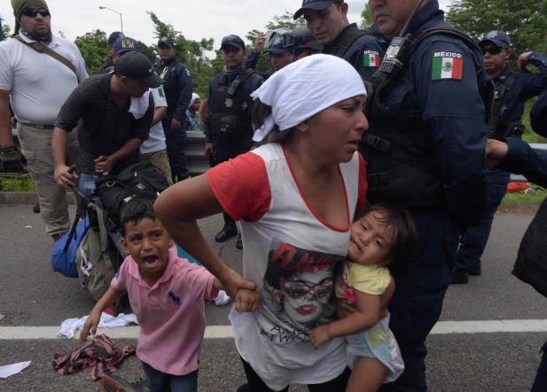 INM frenó ingreso de caravana de migrantes
