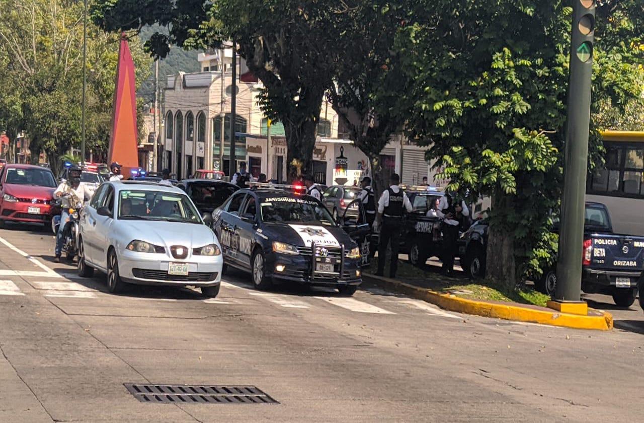 Detienen a 2 por portación de armas y extorsión, en Orizaba