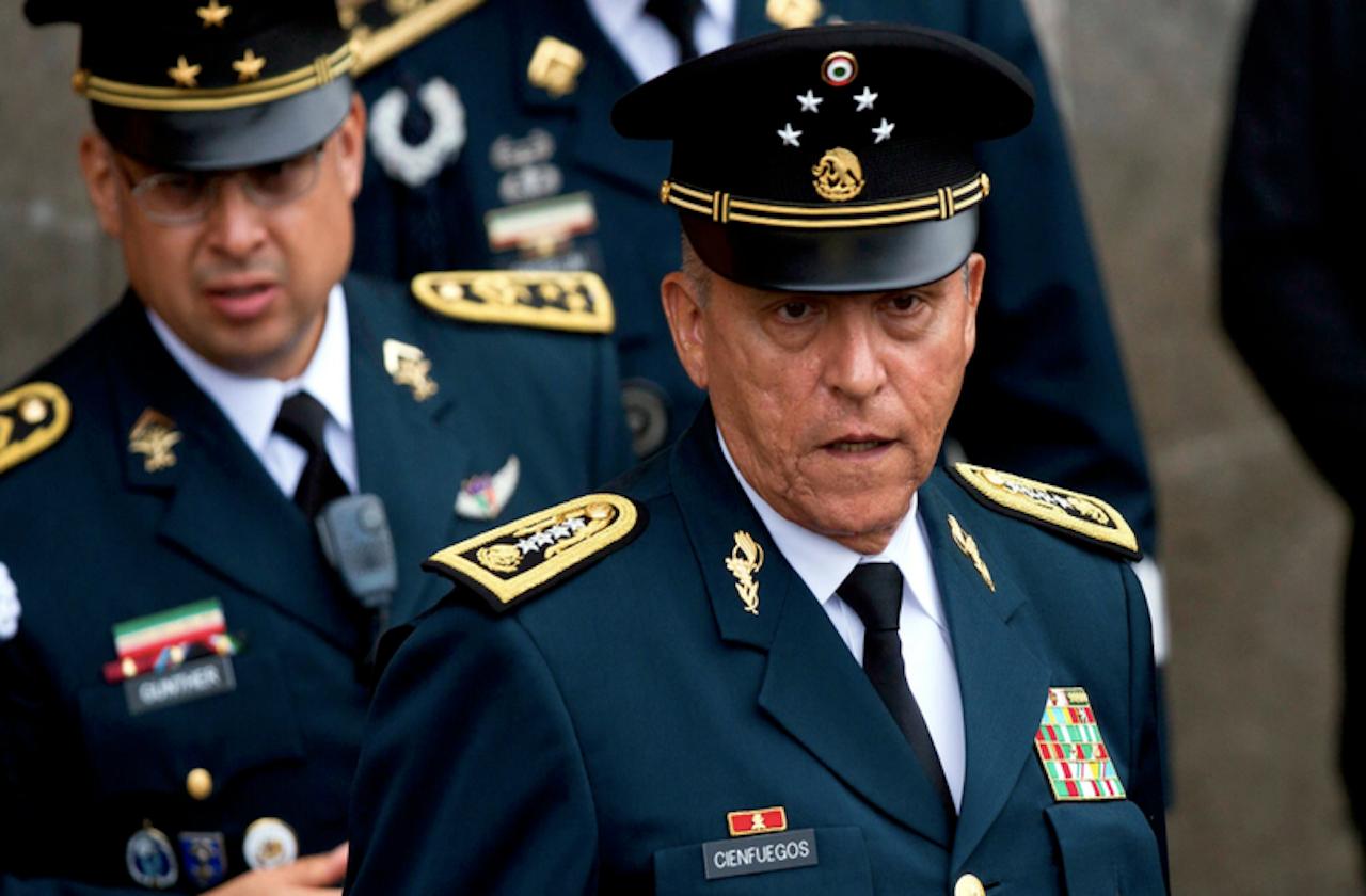 Detienen a Salvador Cienfuegos, exsecretario de Defensa