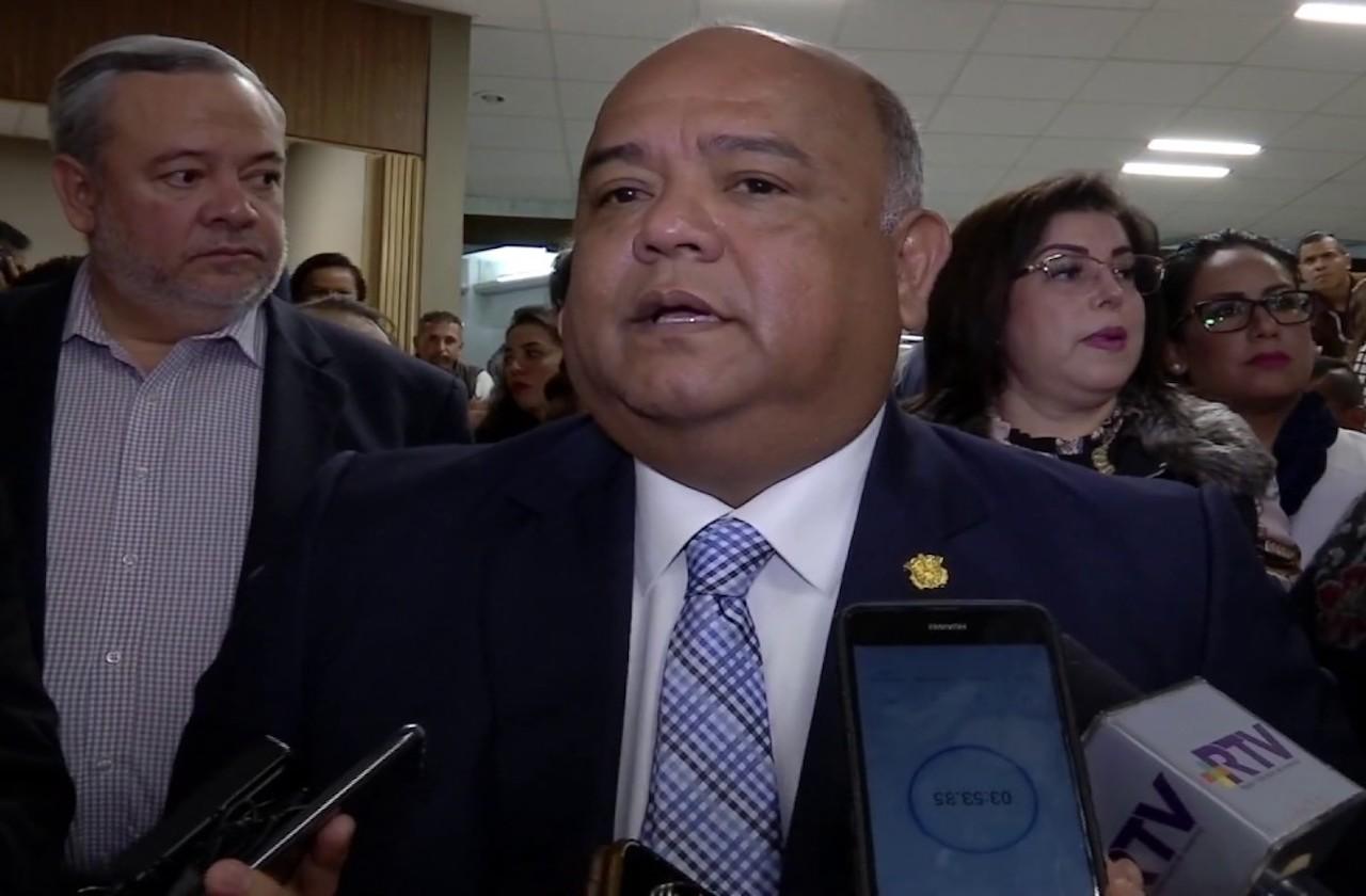 Cisneros pide a alcaldes no excederse en medidas por contingencia