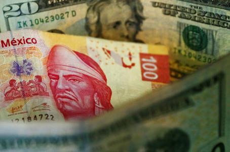 Inversionistas 'prenden alarmas' ante problemas del peso