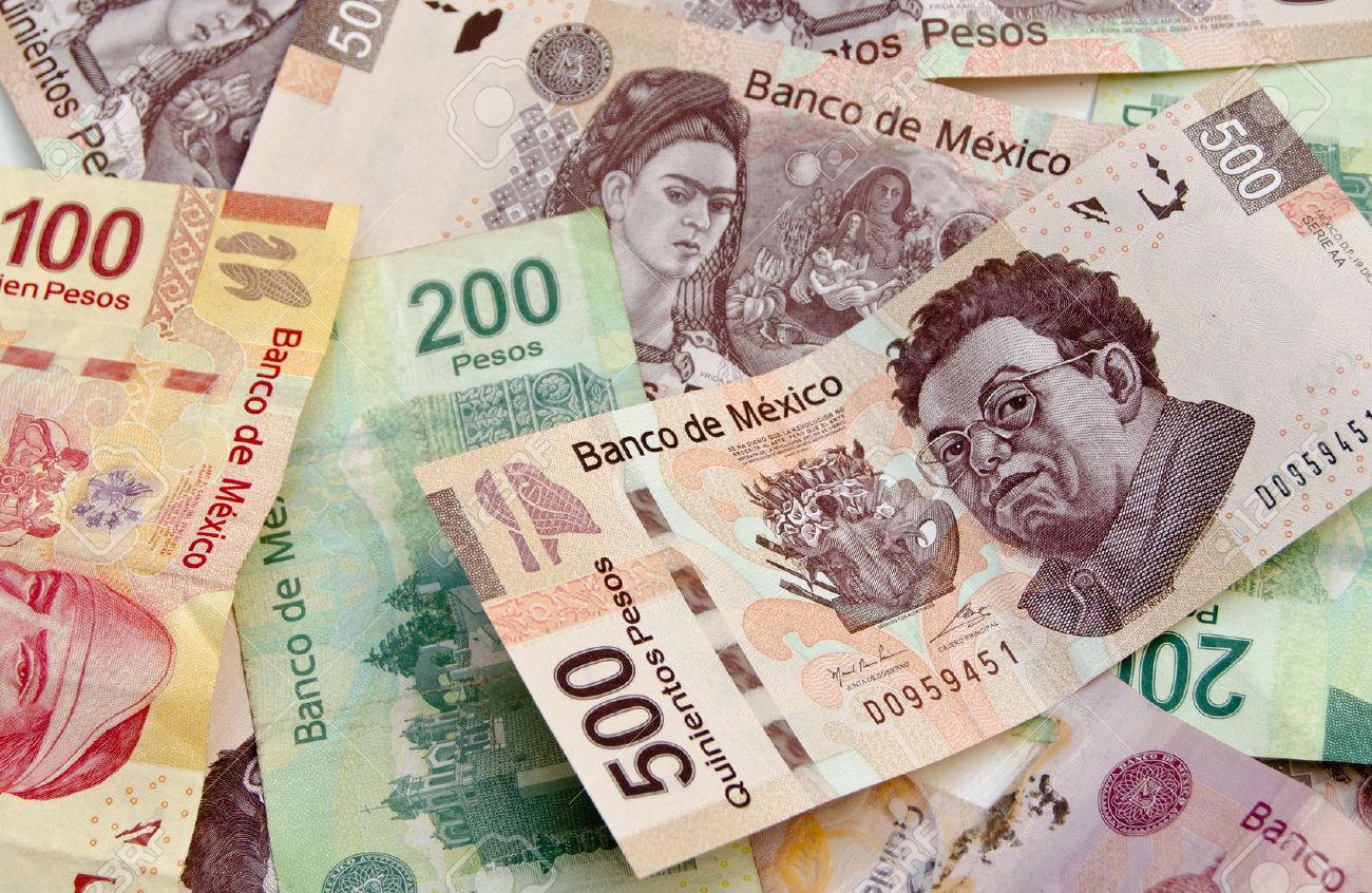 Mexicanos sacaron a bancos del exterior 131% más dinero: BdeM