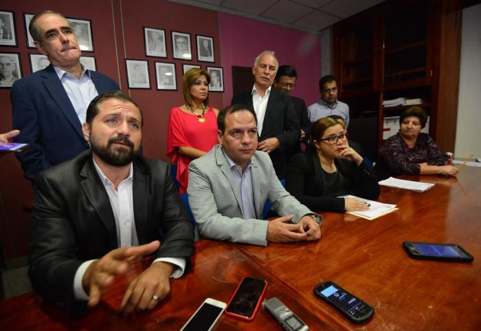 Oposición forma frente común contra PRI, hubo cambios sin aviso