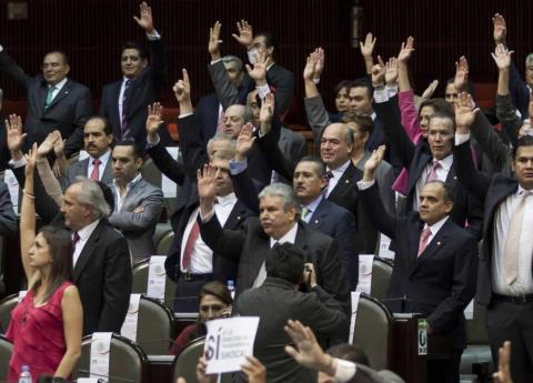 Diputados aprueban aumento en recaudación a ISR e IVA