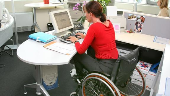 Habrá vigilancia para que empleadores destinen vacantes a discapacitados