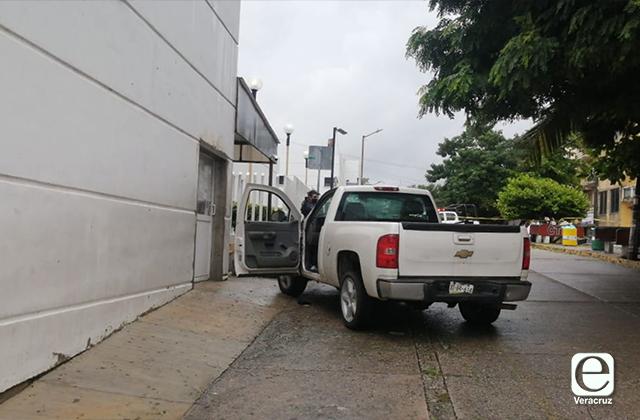 Hombres baleados en Mina llegan por cuenta propia al hospital