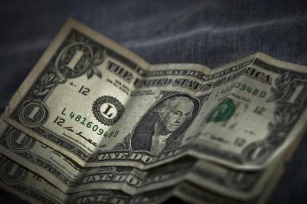 Venden dólar en promedio de $18.90 en el AICM