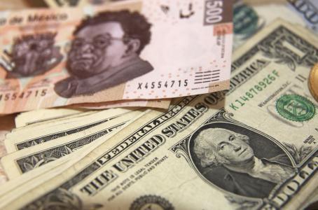 Cotiza dólar en 18.30 en el aeropuerto capitalino