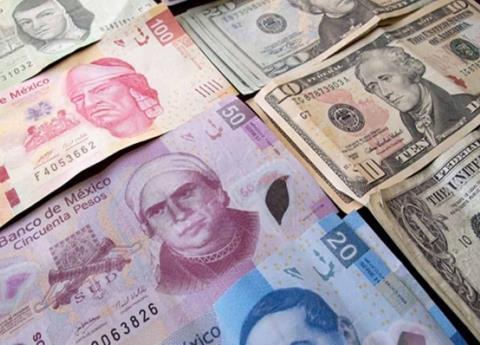 Avanza el peso respecto al dolar
