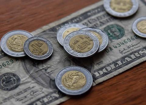 Por incertidumbre en el TLCAN, dólar llega otra vez a los 20 pesos