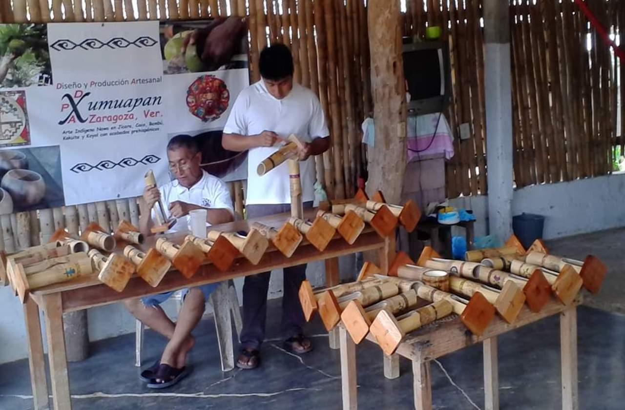 Don Erasto solo ha vendido 2 artesanías durante la contingencia
