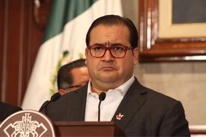 Duarte solapa actuación de policías contra maestros y periodistas