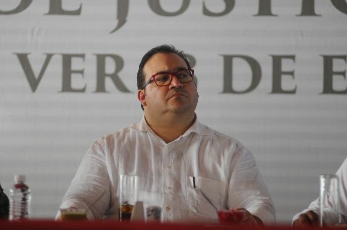 Alistan traslado de Javier Duarte a torre de Tribunales