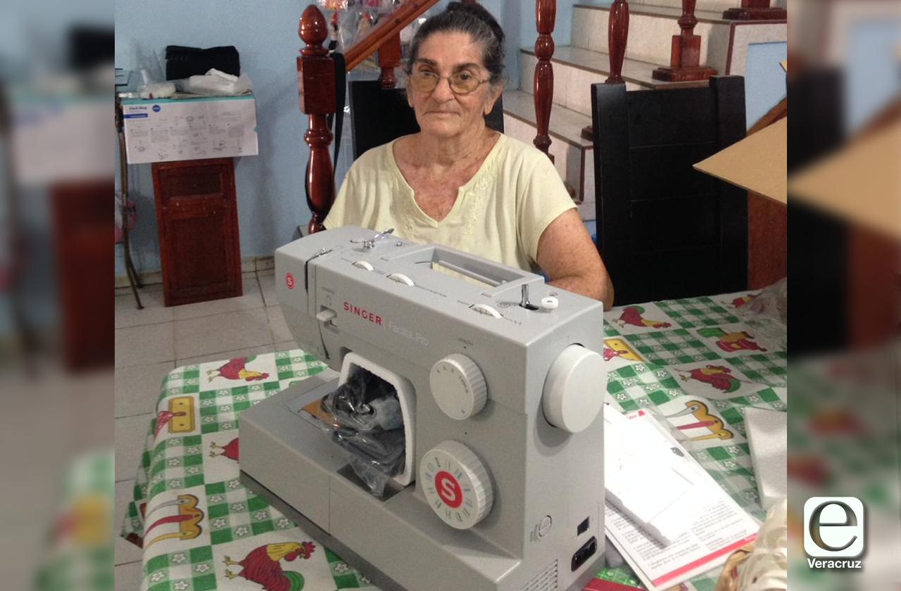 SINGER regala máquina de coser a