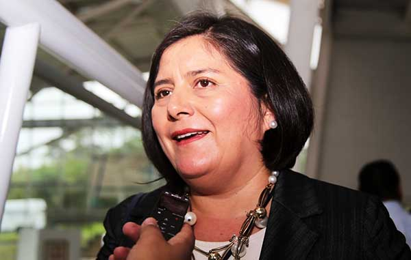 Acusan a Iglesia y Estado de imponer candidata en Ciudad Mendoza