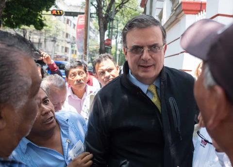 Marcelo Ebrard dice que hubo abuso de poder contra Elba Esther Gordillo