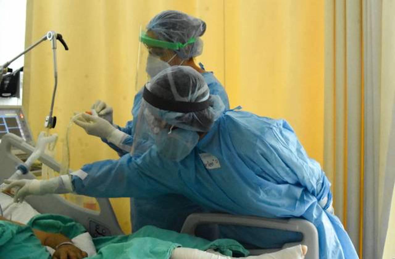 Efecto fin de año: el alza en casos de covid que satura hospitales