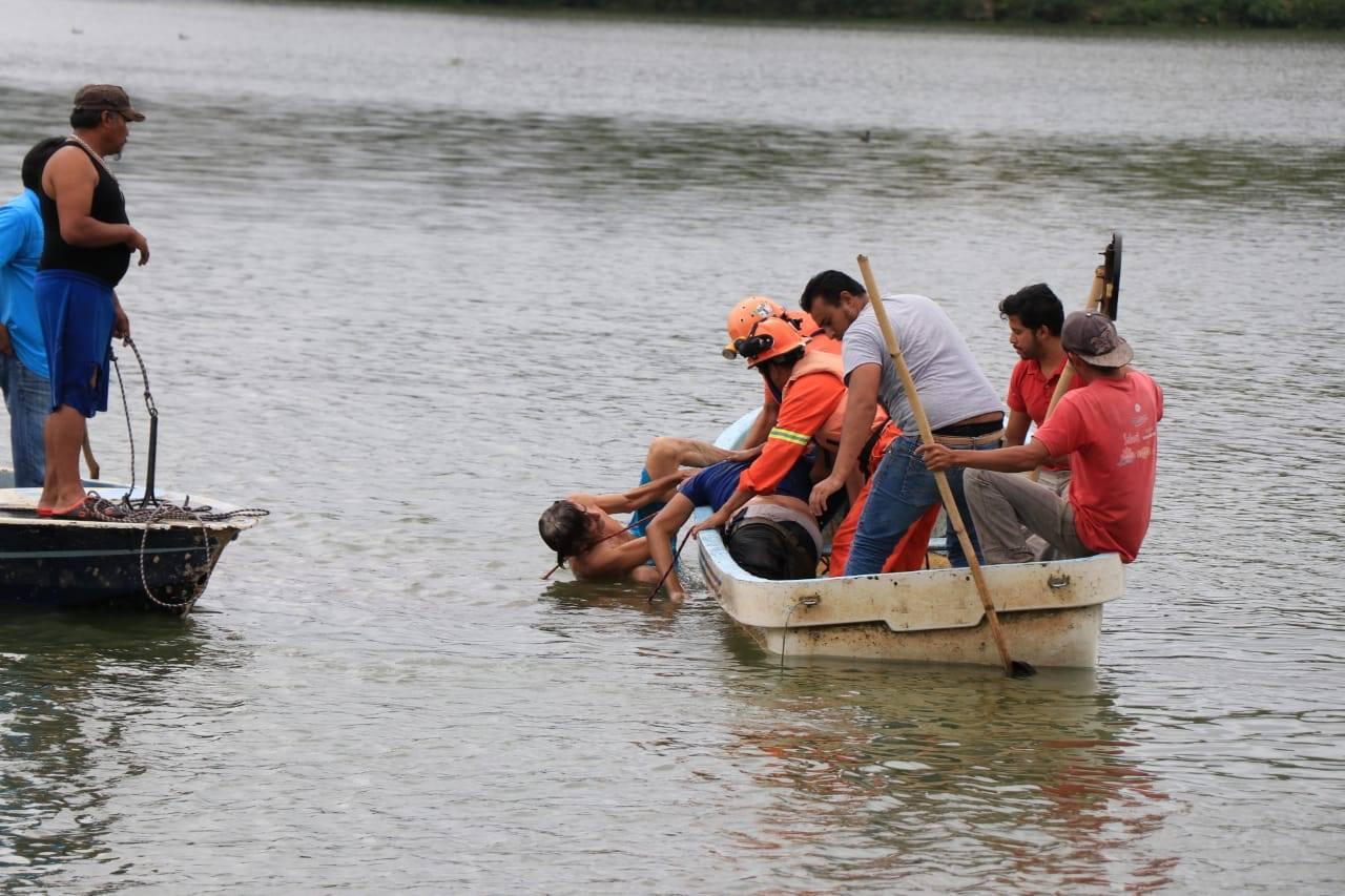 Hombre muere ahogado en la laguna de El Castillo, en Xalapa