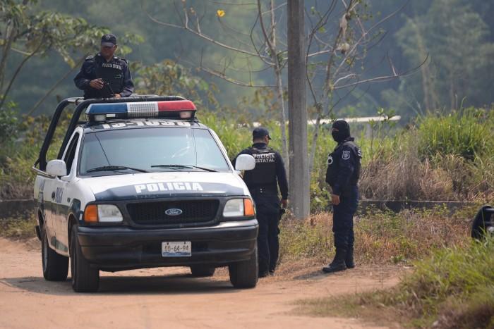 Ejecutan a tres personas en la zona sur de Veracruz