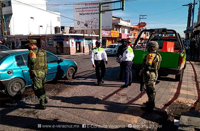 Ejército participa en filtros sanitarios anticovid en Perote