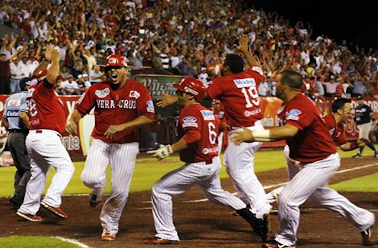 El Águila de Veracruz busca regresar al béisbol profesional