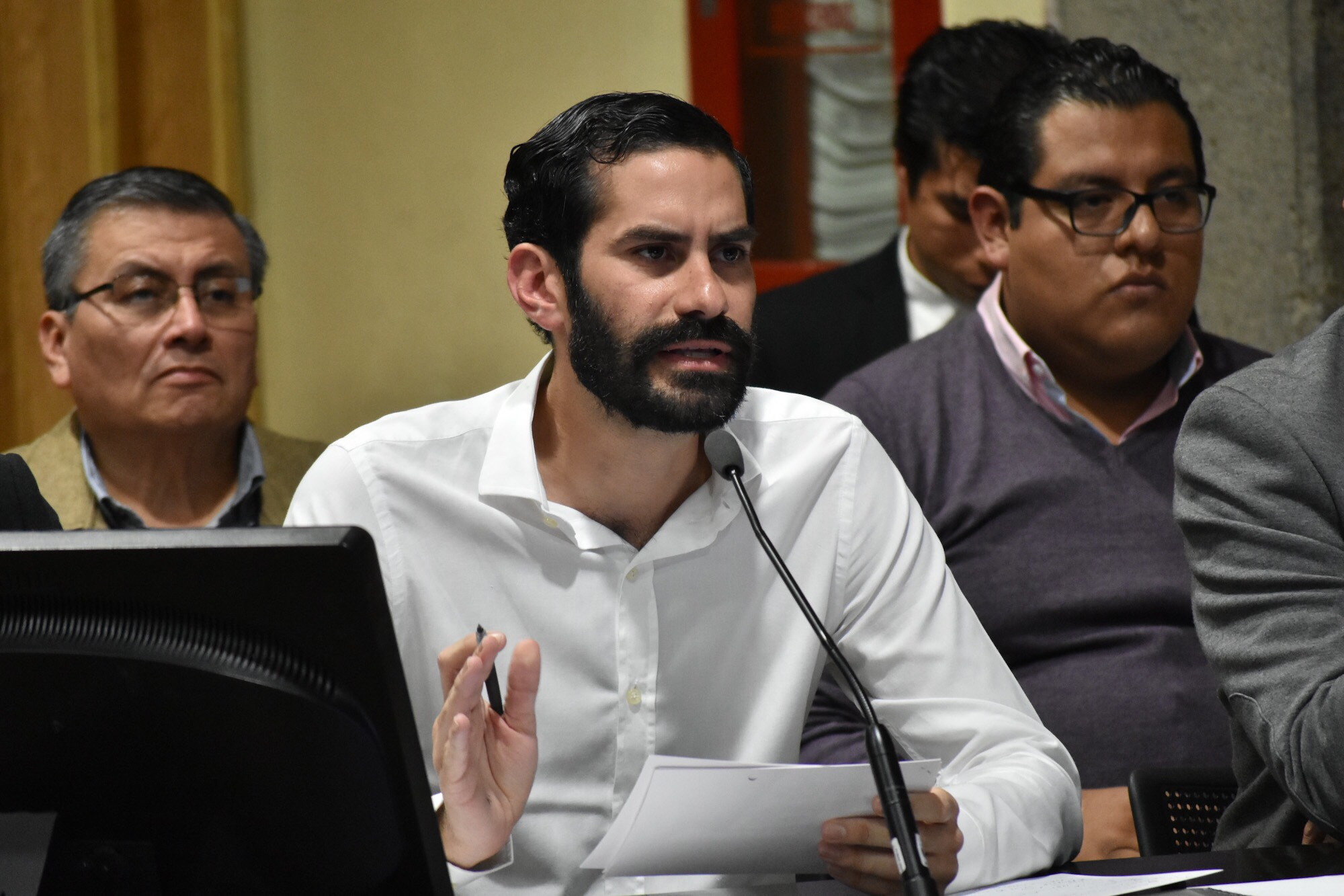 """Vocero de Yunes exhibe convenios de medios """"afines"""" a Morena"""
