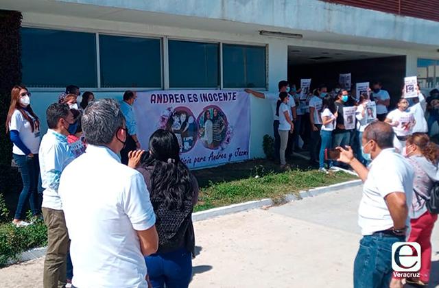 Familias de Silvia Jazmín y de detenida se confrontan en audiencia