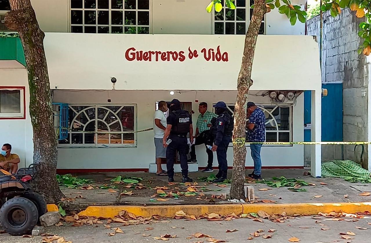 En Coatza, muere joven tras caer de tercer piso al escapar de anexo