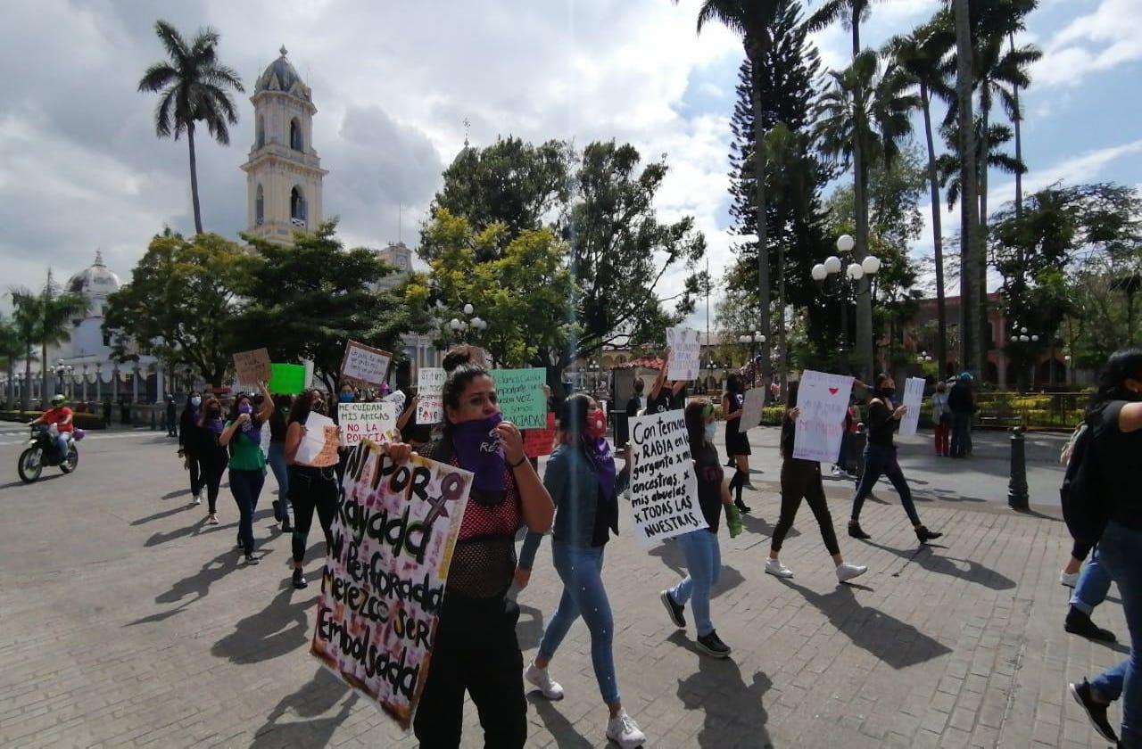 En Córdoba, marchan feministas para denunciar violencia de género