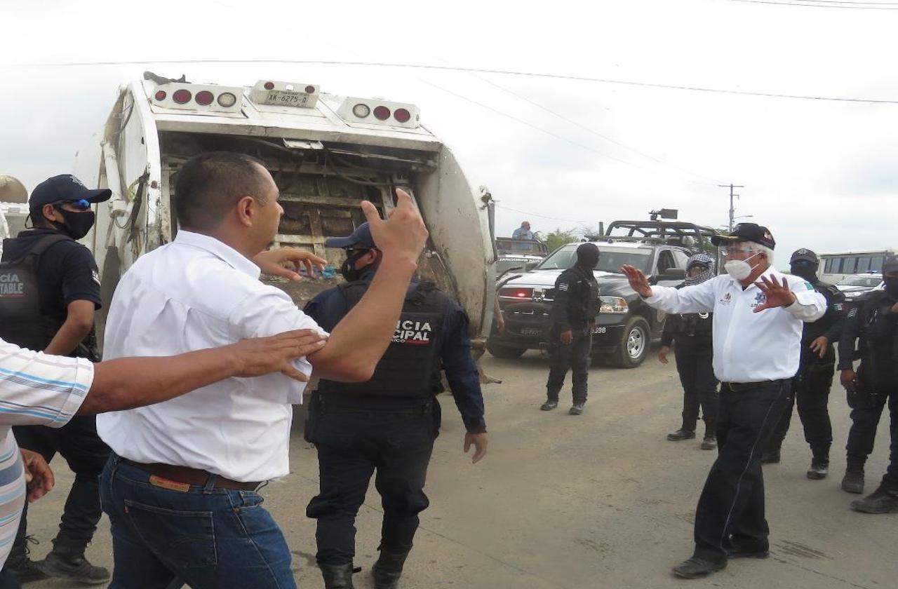 En medio de conflicto, liberan acceso a basurero de Minatitlán