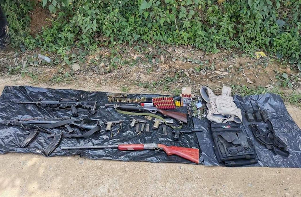 En operativo, hallan armamento en zona rural de Mina y Las Choapas