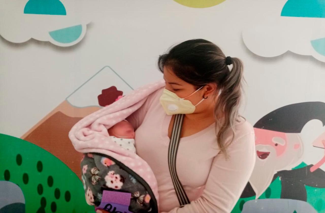 En Orizaba, dan de alta a última trilliza nacida en el IMSS