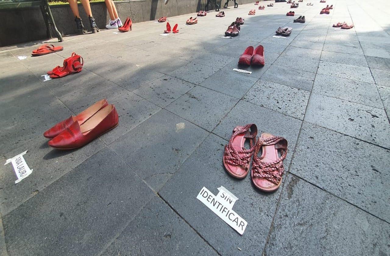 """En Orizaba, recuerdan a víctimas de feminicidios con """"Zapatos Rojos"""""""