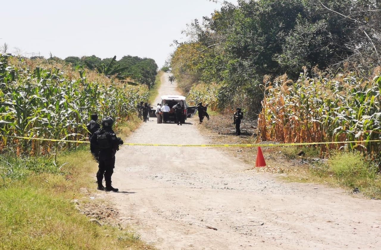 En Papantla, maestros se resisten a asalto; matan a una
