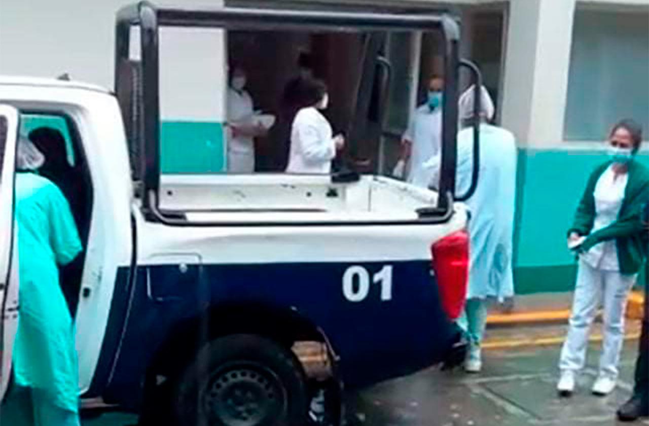 En patrullas, así trasladan enfermos en Mixtla de Altamirano