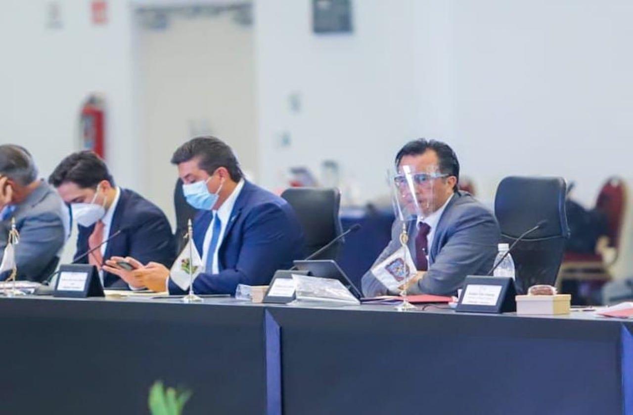 En reunión de CONAGO, defiende Cuitláhuac Pacto Federal