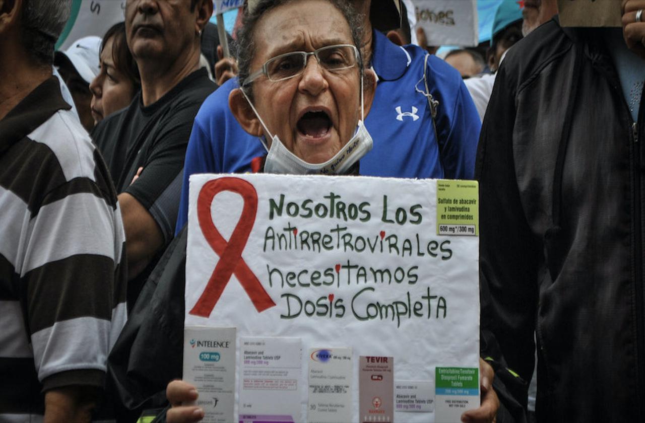 En riesgo pacientes con VIH y SIDA; advierten desabasto de medicamentos